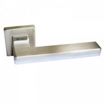 Купить Дверные ручки LARISSA HA100RO11 NB-CR/NB ДВЕРНЫЕ РУЧКИ от Дверные ручки System (Турция)